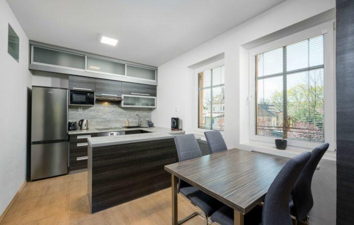 AV6_kuchyně
